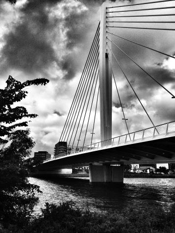 Bridge between the mainland and Ile de Nantes